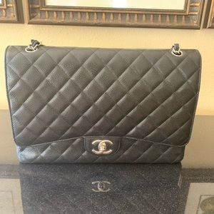 Caviar Quilted Jumbo Double Flap - CHANEL